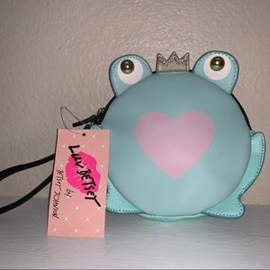 NWT BETSEY JOHNSON frog clutch or wristlet